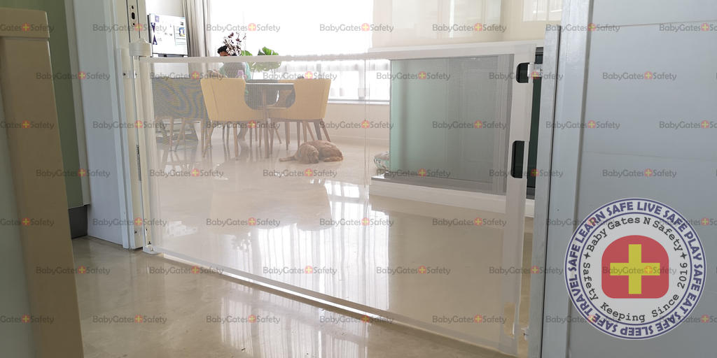 180cm retractable gate used at entrance of kitchen